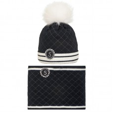 19 Z 07 k Winter hat with snood for girls