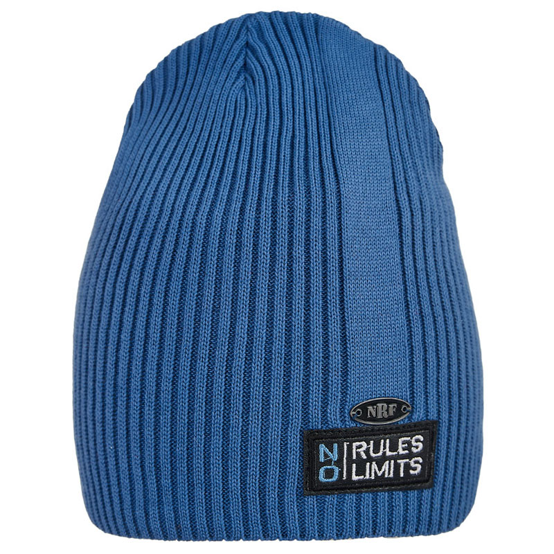 20 V 111 k Hat with a snood for boys