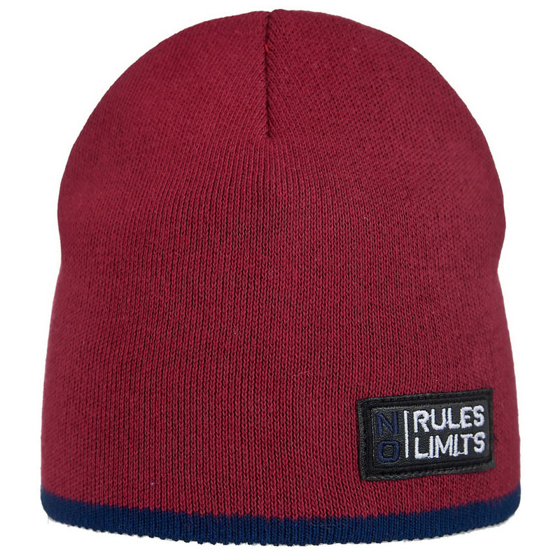 20 V 117 k Hat with a snood for boys