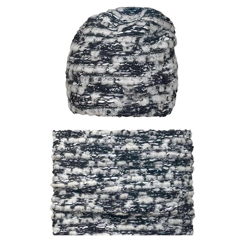 18 Z 144 k Winter hat with snood for girls
